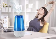 PureGuardian UltraSonic Cool Must Humidifier on top of a desk
